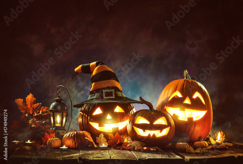 Candle lit Halloween Pumpkins Canvas