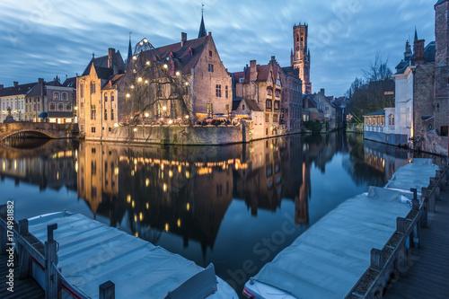 Deurstickers Brugge Rozenhoedkaai and the canals of Bruges at night, Belgium