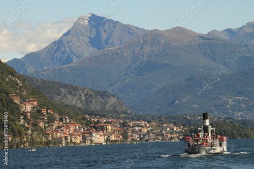 Lago di Como / Comer See bei Argegno mit Monte Legnone Canvas Print