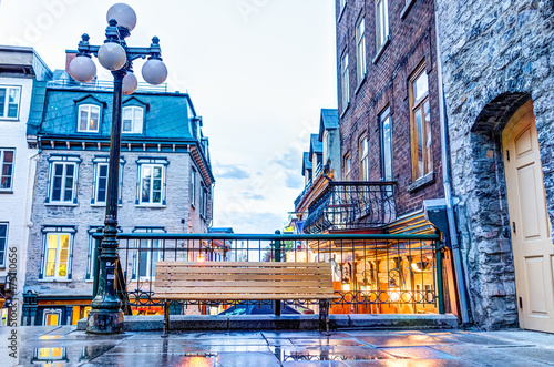 Fototapety, obrazy: Empty bench during blue hour by lower old town street called Rue du Petit Champlain on Escalier Casse-Cou