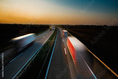 Plakat Ciężarówki na drodze