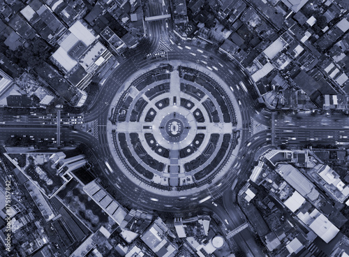 Photo  Aerial view of cityscape,city technology background in blue tone