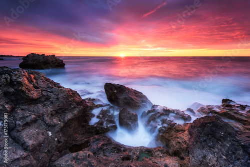 Fotobehang Crimson Rocky sunrise / Magnificent sunrise view at the Black sea coast, Bulgaria
