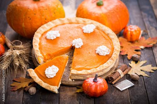 Plakat Ciasto z dyni z bitą śmietaną