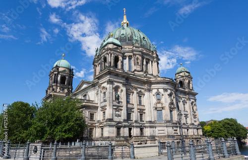 Obraz na dibondzie (fotoboard) Katedra berlińska przeciwko Vlue Sky