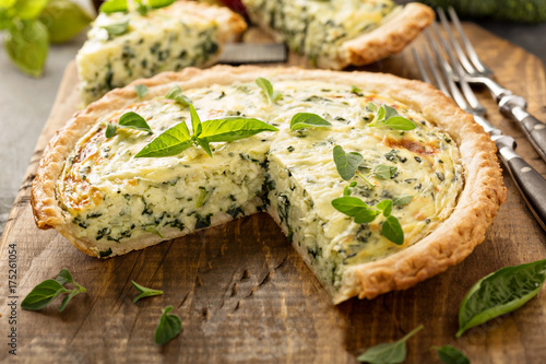 Canvas-taulu Spinach and herb Florentine quiche