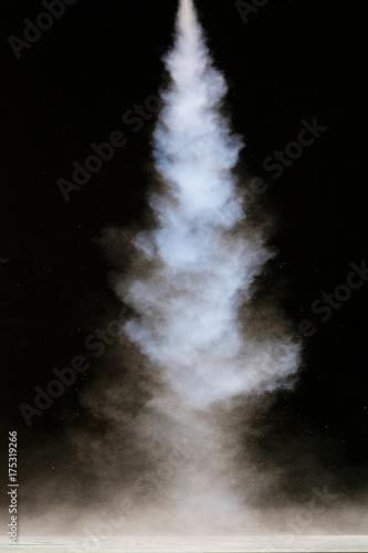 Zdjęcie XXL tekstura dymu na czarnym tle
