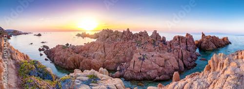 Photo  sonnenuntergang an der costa paradiso in sardinen