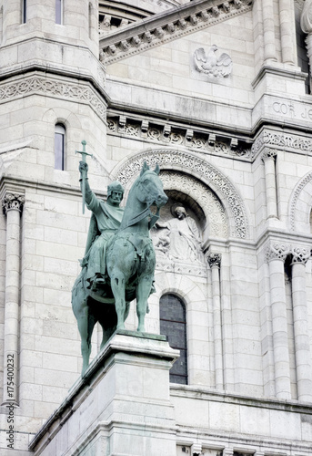 Cuadros en Lienzo Statue of King Louis IX on the Sacré-Coeur, Montmarte,Paris,France, 2017