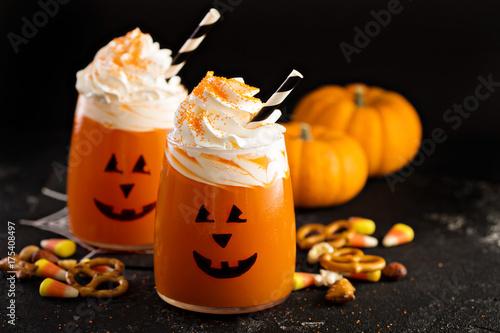 halloweenowy-zimny-koktajl-z-dyni