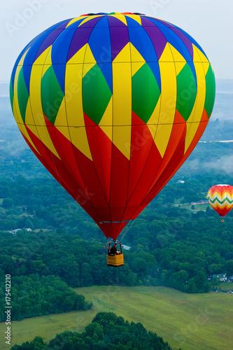 Plakat Czerwony, zielony i żółty Ballon na gorące powietrze