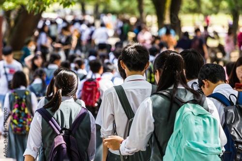 tlum-ludzi-w-japonii