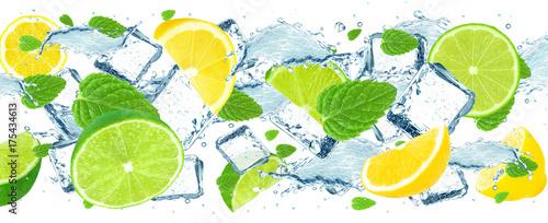 Fototapeta owoce w wodzie zielone-owoce-w-wodzie
