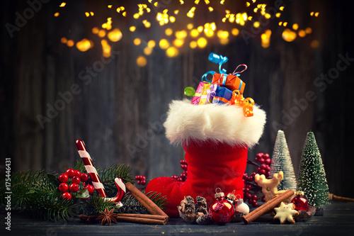 Zdjęcie XXL wypełniony boot Świętego Mikołaja