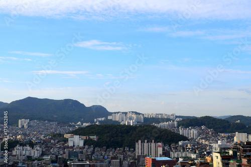 Obraz na dibondzie (fotoboard) Korea, Krajobraz miasta z domami.