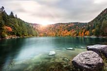 Lac Glacier En Automne Dans Les Montagnes Des Vosges Alsace Lac Des Corbeaux