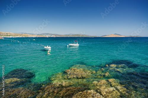 Foto op Plexiglas Panoramafoto s Sunny view of boats at Ortakent near Bodrum, Mugla, Turkey.