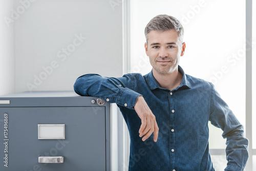Photo Office worker portait