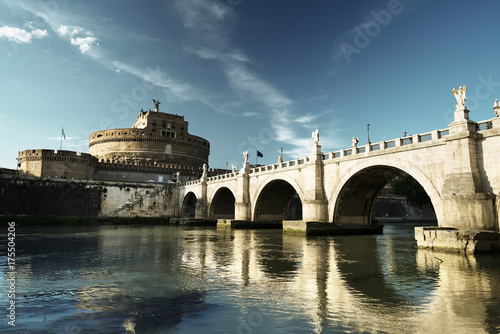 Photo Saint Angel castle and bridge and Tiber river, Rome, Italy