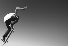Skateboard Big Air Ollie