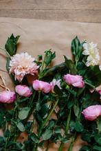 Bunch Of Garden Roses & Delilahs