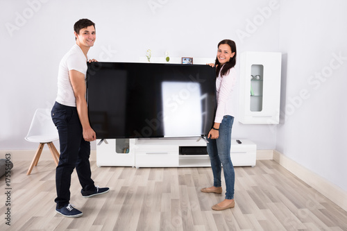Zdjęcie XXL Para prowadzenie płaski ekran telewizora