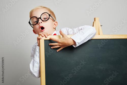 Plakat Dziecko jako student za tablicą