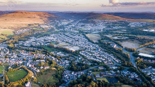 Aerial view of a South Wales valley town at sunset Canvas-taulu