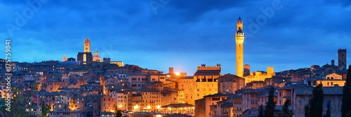 Poster Con. Antique Siena panorama view at night