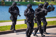 Special Forces Tactical Team O...
