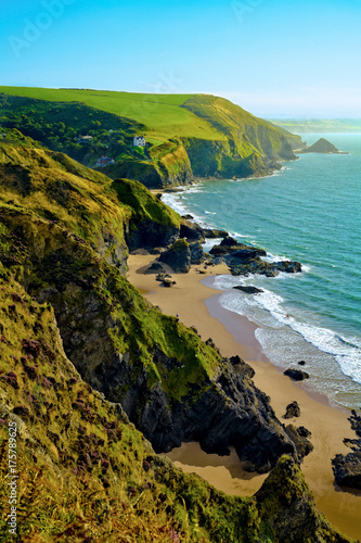 Canvas Print Looking along coastline towards Llangrannog village and beach in Pembrokeshire,