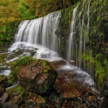 Sgwd Isaf Clun Gwyn Waterfall ...