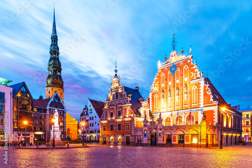 Fototapeta Evening scenery of the Old Town Hall Square in Riga, Latvia