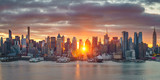 Fototapeta Nowy Jork - Cloudy sunrise over Manhattan, New York
