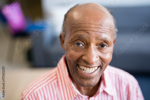 Portrait of smiling senior man with receding hairline Tablou Canvas