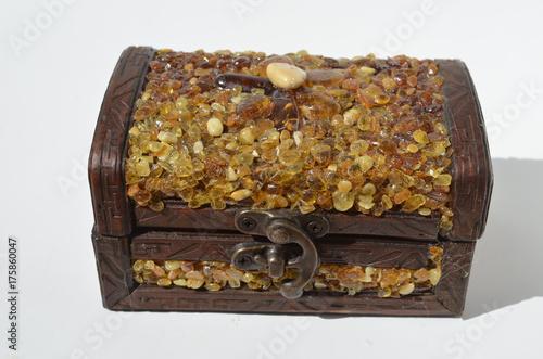 Платно casket with inlaid amber