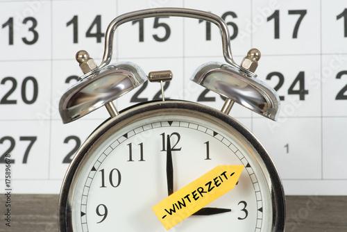 Plakat Zegar jest przełączany na czas zimowy