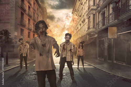 Plakat Grupa azjatyckich strasznych zombie kręci się na ulicy