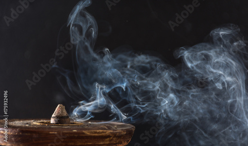 Fotografiet  photograph of smoke caused by various incenses