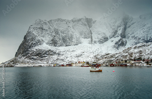 Photo sur Toile Europe du Nord Lofoten Islands in the winter. Traditional Norwegian landscape