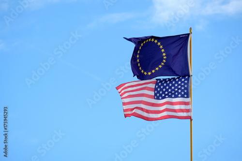 Fotografie, Obraz  USA Flagge Europa Flagge