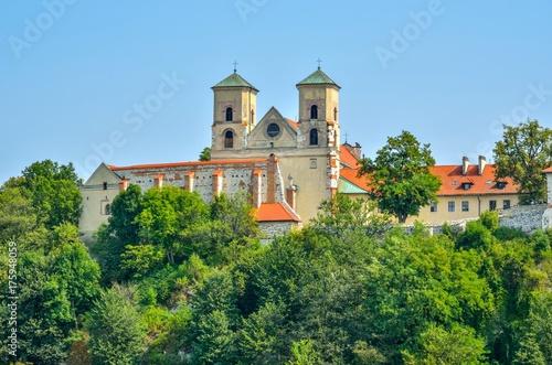 Obraz na dibondzie (fotoboard) Piękny zabytkowy klasztor. Opactwo benedyktynów w Tyńcu pod Krakowem, Polska.