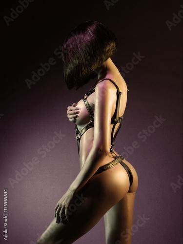 Beautiful nude body of sensuality elegant lady. Billede på lærred