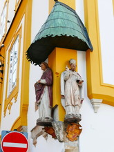 Passau Corner Statues