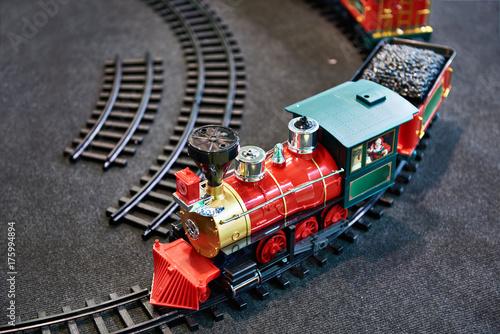 Zdjęcie XXL Pociąg z zabawkami i kolejka dla dzieci