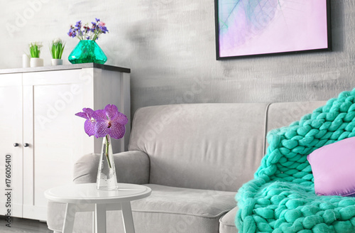 Remarkable Lilac Accent In Modern Interior Table With Flowers And Download Free Architecture Designs Photstoregrimeyleaguecom