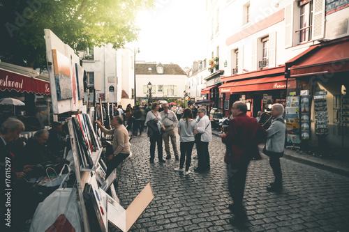 Plakat Tłum na Place du Tertre - Paryż