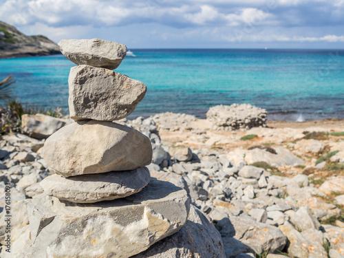 Plakat Kamienie nad Morzem Śródziemnym