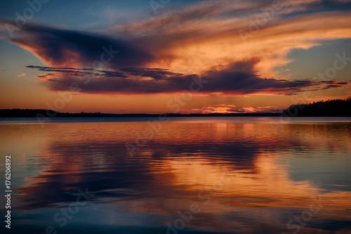 Zdjęcie XXL Zachód słońca nad jeziorem