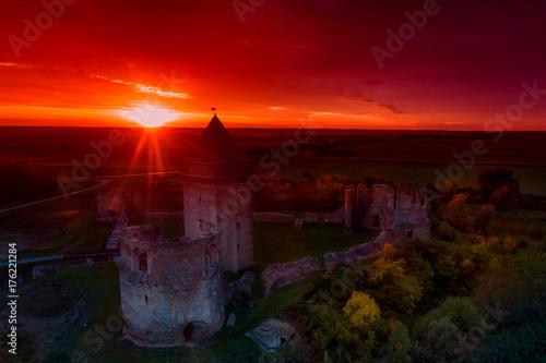 Fototapeta Średniowieczna twierdza w ruinach
